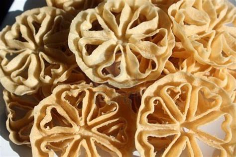 teks prosedur membuat kembang goyang resep cara membuat kue kembang goyang gurih renyah