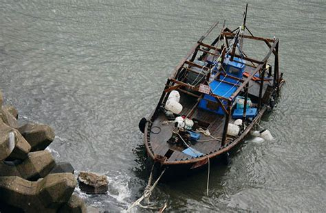 north korean fishing boat japan north korea ghost boats fisherman arrested for stealing