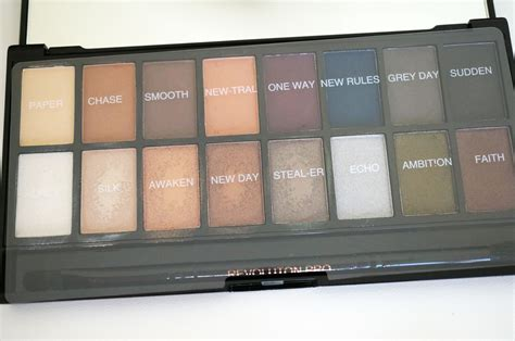 Eyeshadow Revolution makeup revolution 144 eyeshadow palette style