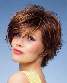 coupe de cheveux pour femme de 40 ans