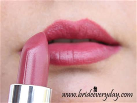 Lipstik The One Oriflame oriflame the one matte lipstick review swatches
