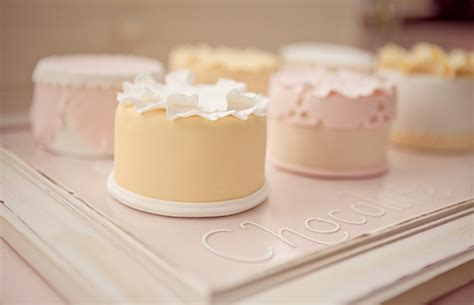 Individuelle Torten by Wedding Cake Alternatives Modern Wedding