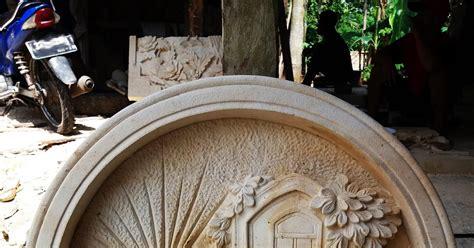 Patung Naga Ukiran 3d tangan berdoa kerajinan ukir batu alam paras jogja batu