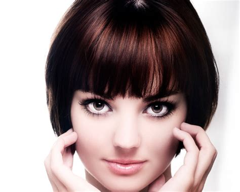 short haircuts with bangs round faces short hairstyles with bangs and layers for round faces