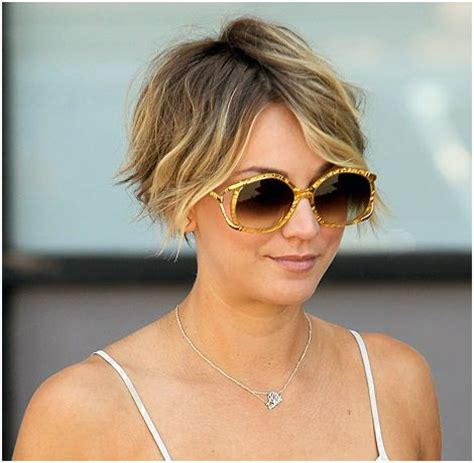 why did kaley cuoco short hair kaley cuoco reveals celebrity inspiration behind that