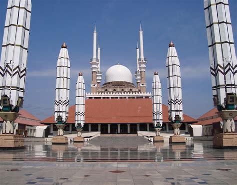 Tenda Anak Di Semarang 232 m masjid agung jawa tengah