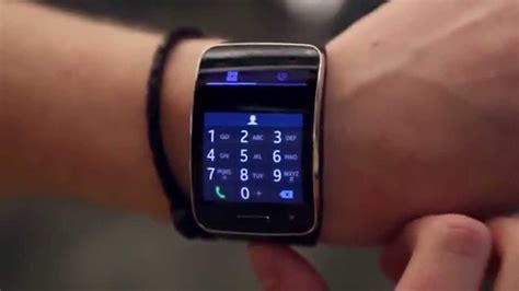A Samsung Smartwatch Samsung Gear S Smartwatch