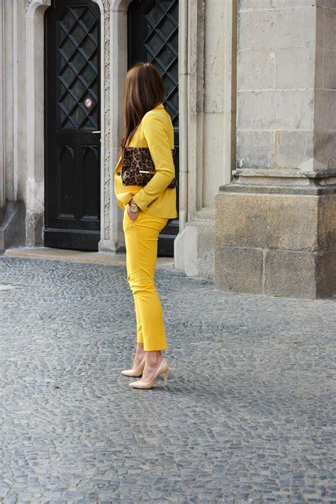 yellow suit  women  dress tip