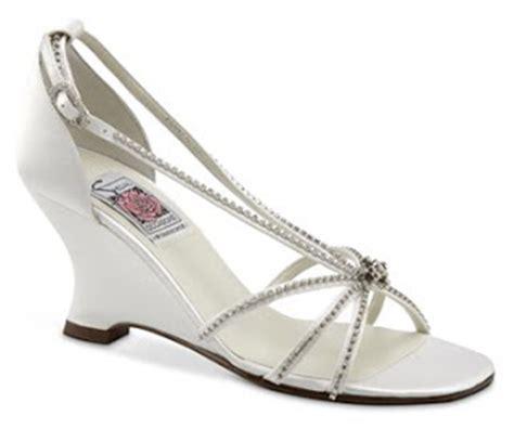 Sepatu Putih Hak Dalam Garis3 pernikahan impian model sepatu pengantin wanita putih