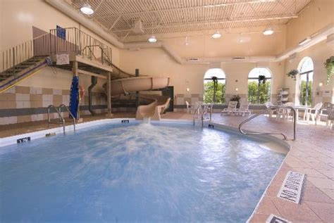 Pool and Waterslide   Picture of Best Western Plus Pembina