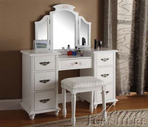 Lilac Vanity by Lilac Vanity We How To Do It