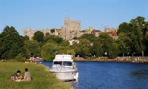 thames river cruise from london to windsor hire a thames cruiser and see britain at its best daily