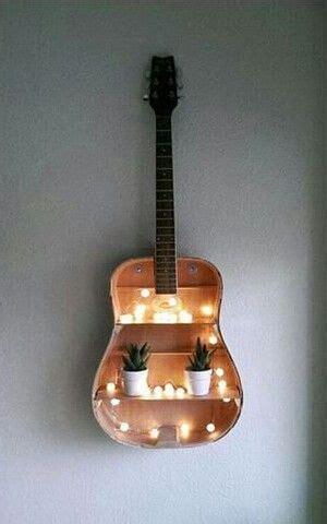 Basteln Mit Kaputten Glühbirnen by Wundersch 246 Ne Deko Idee Mit Einer Alten Gitarre Home