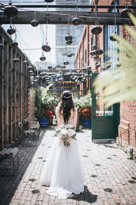 Best Engagement and Wedding Photography Locations in Toronto