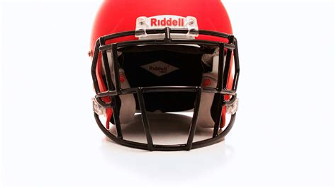 Can This Football Helmet Tech Detect Concussions? Future Battle Helmet