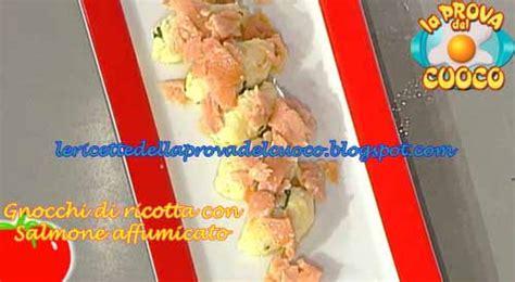 come si cucinano i gnocchi gnocchi di ricotta con salmone affumicato ricetta da quot la