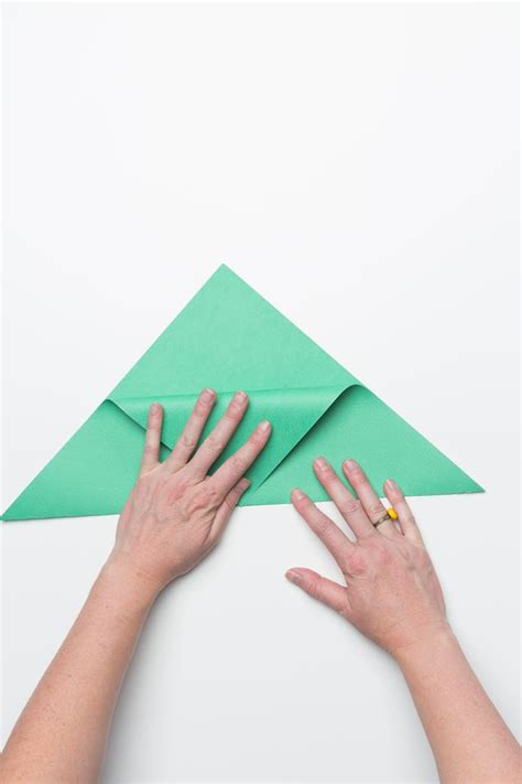 Make A Paper Pocket - fold an origami sandwich pocket for back to school