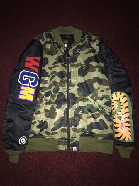 Jaket Bomber Jaket Bape Stussy Putih a bathing ape bape bomber jacket size large supreme box logo billionaire boys club clothing