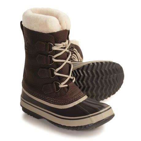 do ugg slippers run big or small do ugg boots run big or small in size