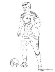 xabi playing soccer coloring pages hellokids com