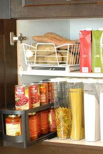 Kitchen Cupboard Organizers Ideas by 10 Ideas To Organize A Small Kitchen Ward Log Homes