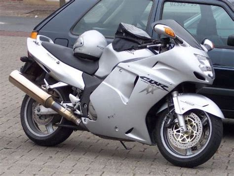 honda cbr 1100 top 10 fastest motorcycles in the world world s fastest