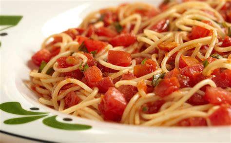 alert olive garden   cook  pasta  salted water