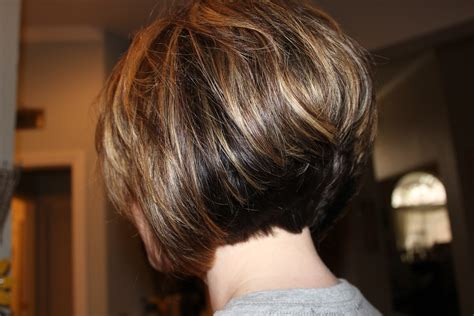 the swing hairstyle n the back and in te frlnt at a angle short stacked haircut so fun michele busch