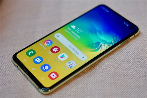 samsung galaxy s10 vs samsung galaxy s10e trusted reviews