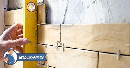 badkamertegels voegen vervangen tegels verwijderen en aanbrengen in de badkamer handige tips
