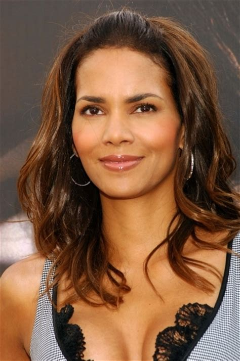 Halle Upset With Mag For Dredging Up Story by Halle Berry Angry With Parade Story