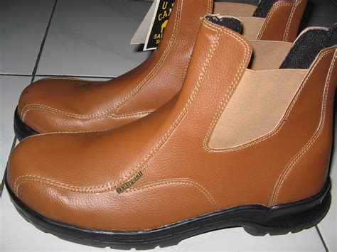 Sepatu Safety Eighteen top related to shoes boots wallpapers