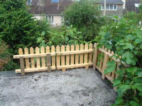 How to Make a Picket Fence from Pallets   2018 DIY How To