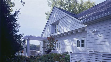 shingle style lakehouse haus architecture