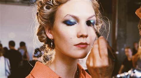 Maskara Biasa 7 makeup hacks jenius untuk kamu yang tidak biasa pakai eyeshadow facetofeet