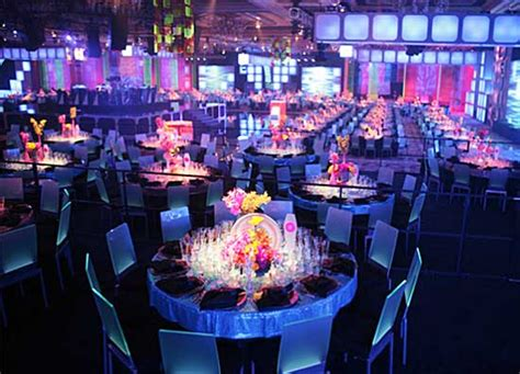 trending themed events event design trends from cort and steve kemble exhibit