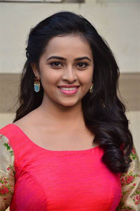 actress sri divya latest photos actress celebrities photos tamil actress sri divya latest