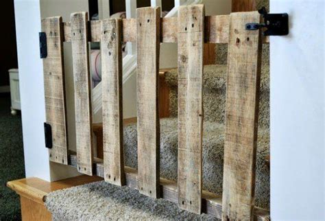 barriere de jardin 1910 diy pallet stairs gate pallet stairs stair gate and gates