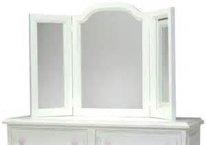 tri fold mirror images