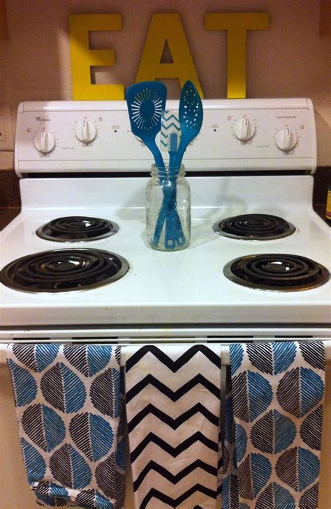 diy kitchen decor ideas pinterest best 25 college apartment decorations ideas on pinterest