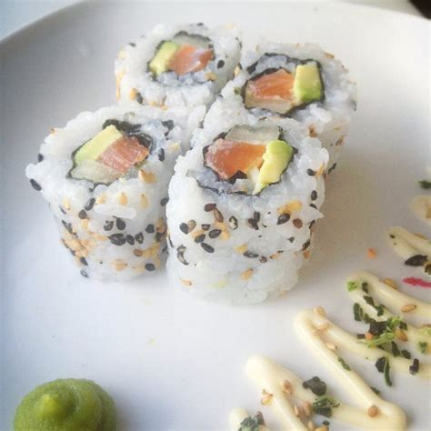 zelf kewpie mayonaise maken sushi recept uramaki sushi met zalm en avocado sushi