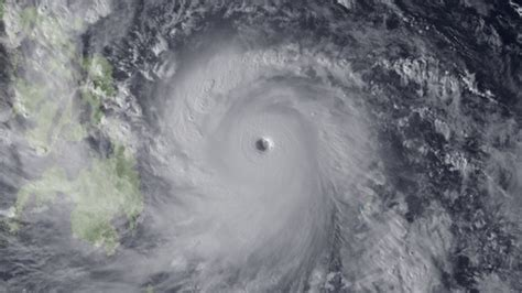 Biggest Blizzard by Images Of Super Typhoon Haiyan Business Insider