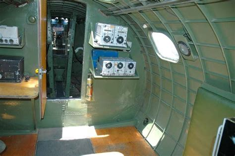 b 17 interior radio compartment boeing b 17 flying