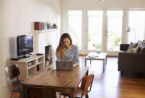home office im speisesaal vier zehn unternehmen erlauben arbeit im home office