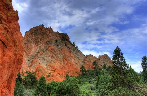 high rock formations at garden of the gods colorado image