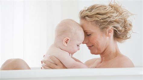 bathing newborn in how to keep bath time safe and fun