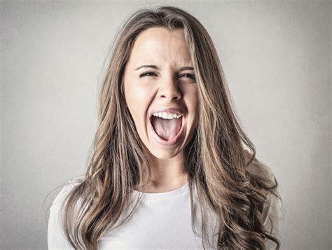 imagenes de personas que extrañas las personas que dicen groser 237 as son m 225 s felices actitudfem