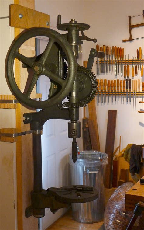 canadian blower forge   post hand crank