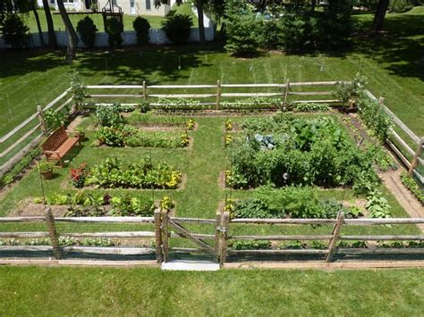 fencing for vegetable garden 17 best ideas about vegetable garden fences on fence garden garden fences and