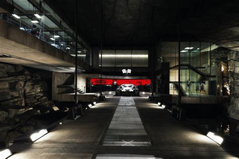 Garage Blueprints by Explore Batman V Superman S Incredibly Detailed Batcave In